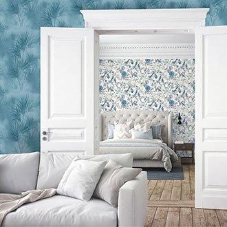 Verschiedene blaue Tapetenarten in Wohnung